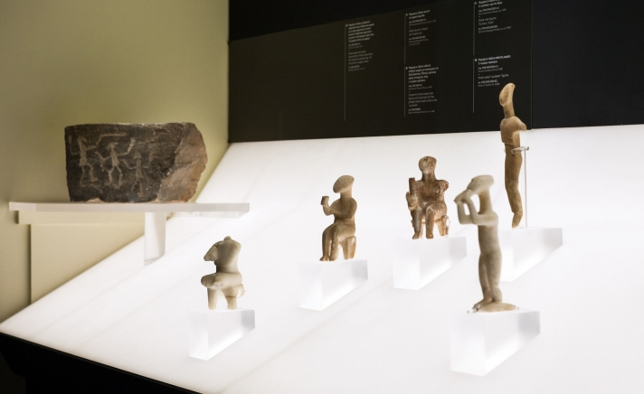 Cycladic Society 5000 years ago